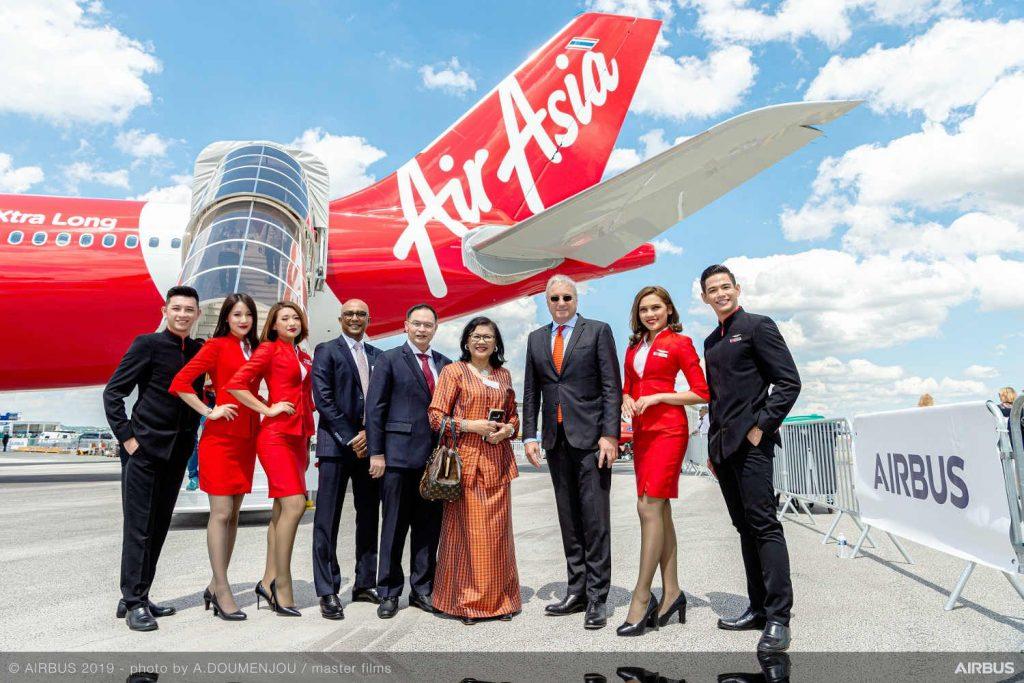 Airbus & AirAsia zeigen ersten A330neo