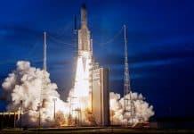 Ariane 5 startet mit T-16 von Airbus und Eutelsat 7C