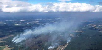 Schrägluftbild Lübtheen: Das Schrägluftbild des Brandes in der Region um Lübtheen vom 02. Juli 2019