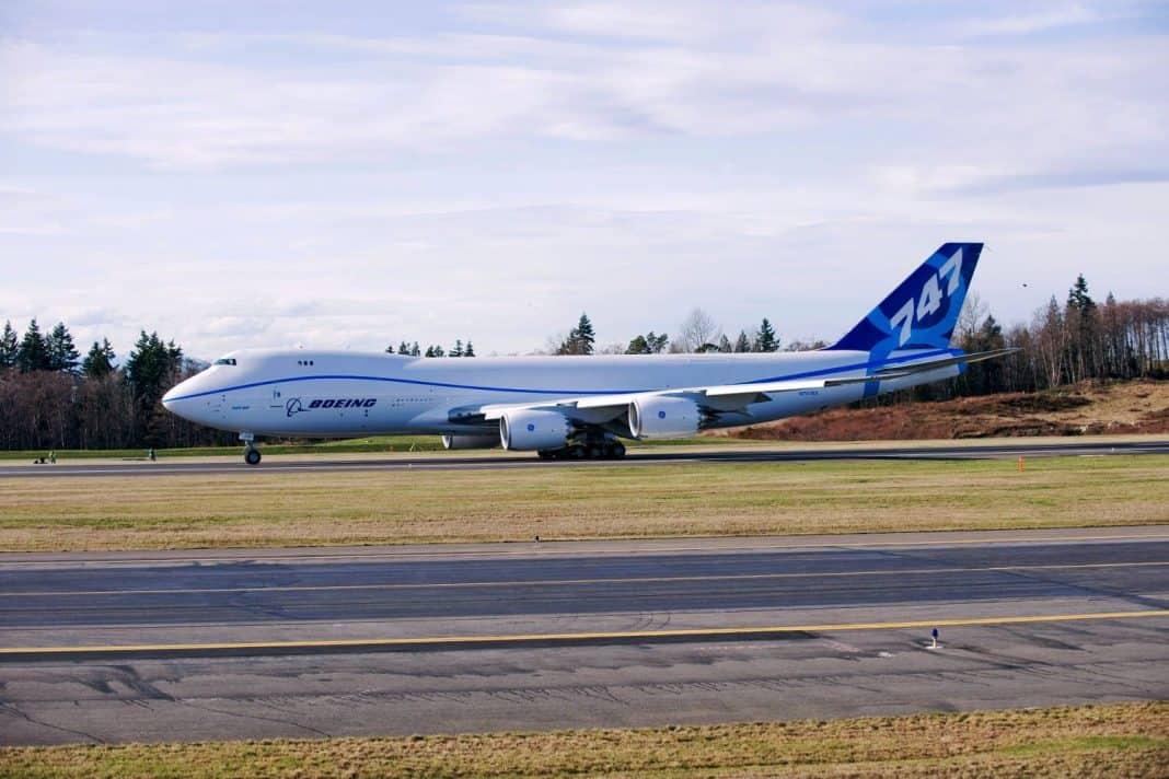 Qantas flottet erste Boeing B747-8F ein