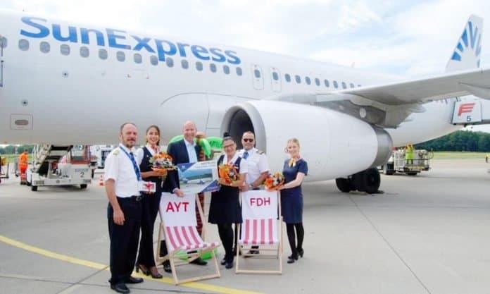 SunExpress A320 fliegt nach Antalya ab Friedrichshafen