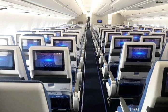 Neue Premium Economy und Economy Class von China Southern mit Recaro Sitzen des Typs PL3530 und CL3710 ausgestattet.
