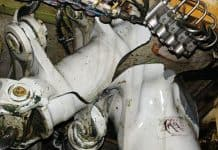 Das rechte Wing-Landing-Gear im Bereich des Trunnion, der hinteren Lagerung des Fahrwerkzylinders, war gebrochen.