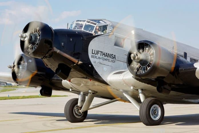 Junkers Ju 52 wird zerlegt in Deutschland eingelagert