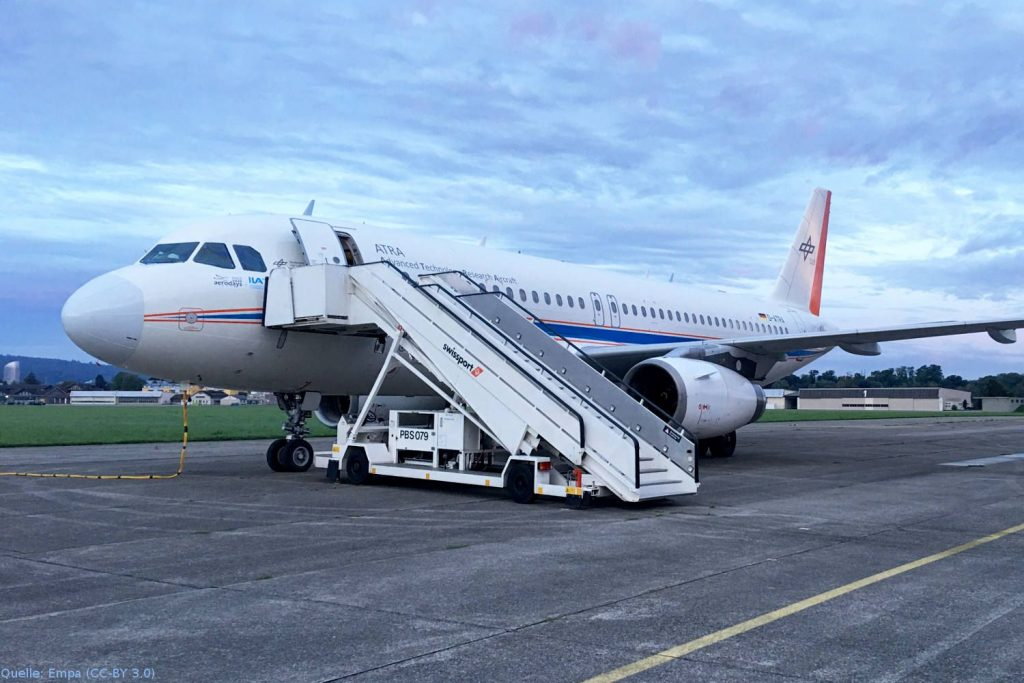 DLR-Forschungsflugzeug ATRA: Für die Flugversuche wird das Forschungsflugzeug A320 ATRA des Deutschen Zentrums für Luft- und Raumfahrt verwendet.