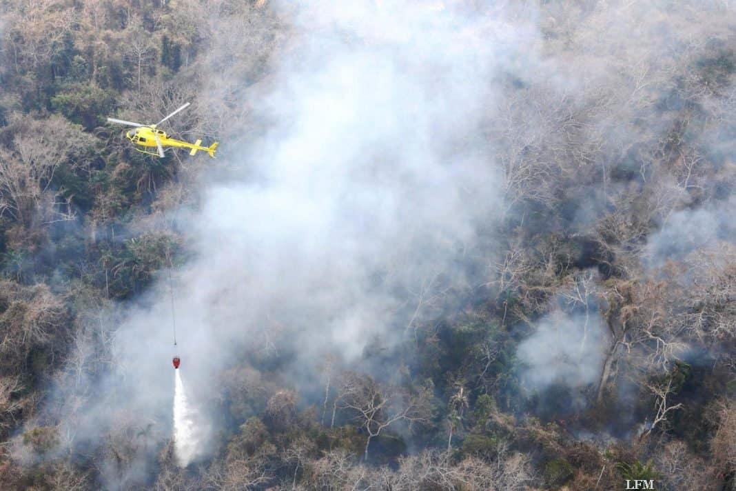 H125 bei der Brandbekämpfung in Bolivien