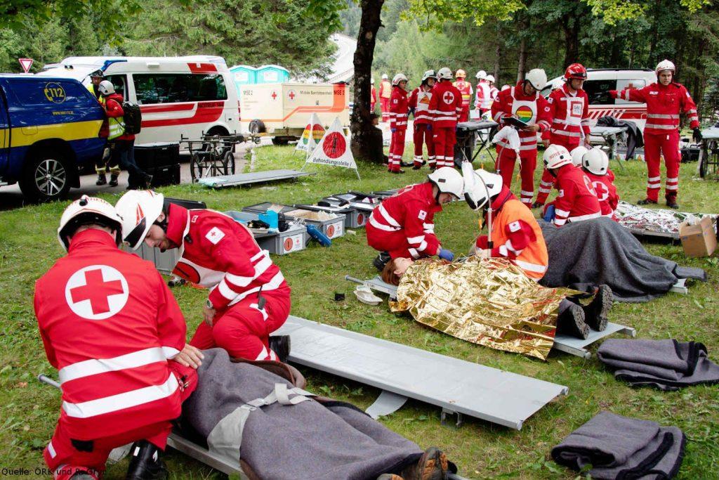 Einsatzkräfte während der Steirischen Erdbebenübung.