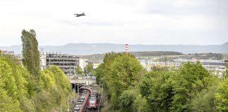 Autofreier Sonntag: Gratis ÖPNV zum Flughafen Stuttgart