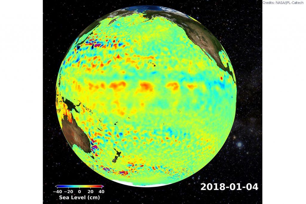 Jason OSTM: Veränderung der Meeresspiegelhöhe am Pazifischen Ozean in der ersten Januarwoche 2018. Erhöhte Meresstände sind rötlich, tiefer Pegel bläuich eingefärbt.