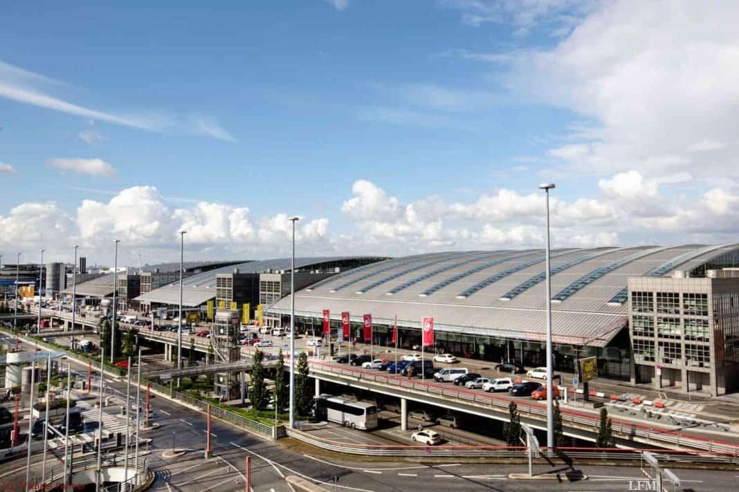 Gefahrenkoffer blockiert Gepäck am Hamburg Airport