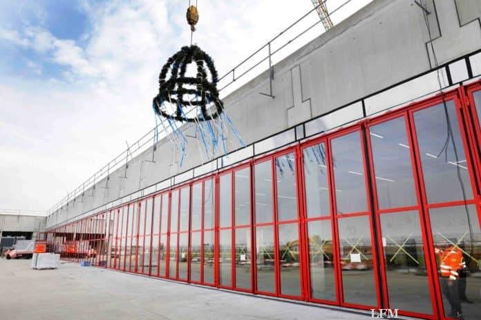 Mega-Feuerwache am Flughafen Frankfurt feiert Richtfest