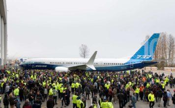 Boeing 737 MAX 10 feiert Debüt in Renton