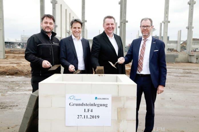 Fraport und Swissport legen Grundstein für neue Luftfrachthalle