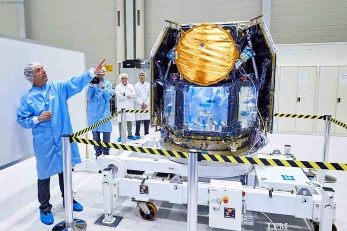 Teleskop für Exoplaneten: CHEOPS beim Start-Test