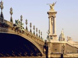 Lufthansa fliegt in Paris auch Airport Orly an