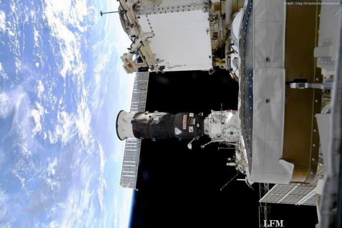 Progress-MS-13-Frachter am russischen Segment der ISS