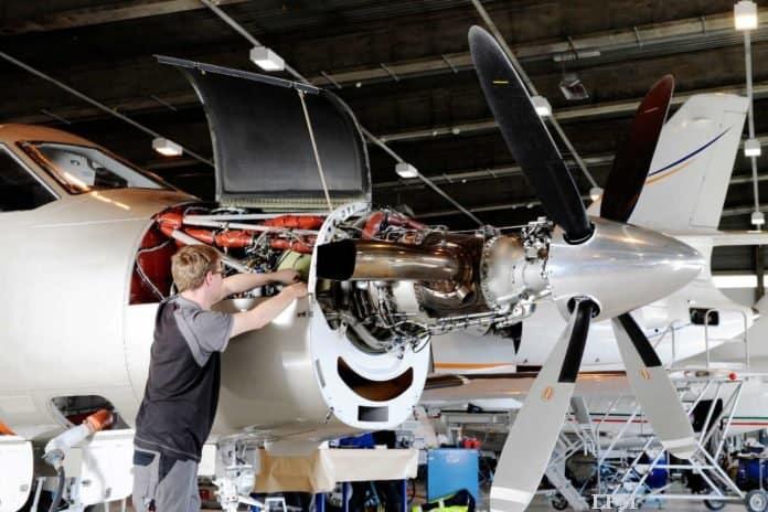 Propellerpflege für PC-7 Trainer der Niederlande