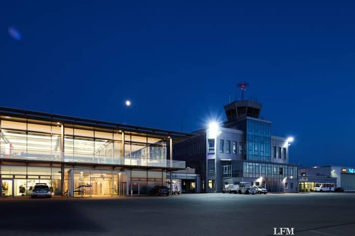 Paderborn-Lippstadt Airport: Vorfeld und Verwaltungsgebäude