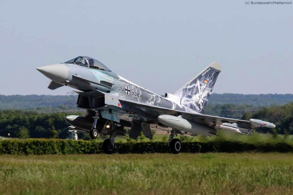 "Eurofighter fliegt mit Sonderfolierung ""Sword of Boelcke"""