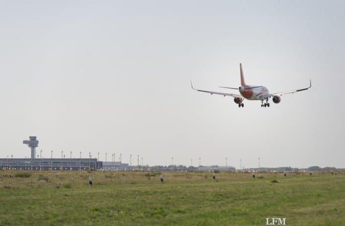 Anflug auf den Flughafen Berlin Brandenburg