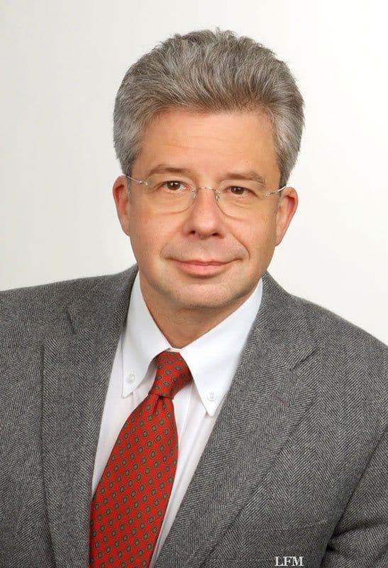 Dr. Mustafa, Genlabor medialab