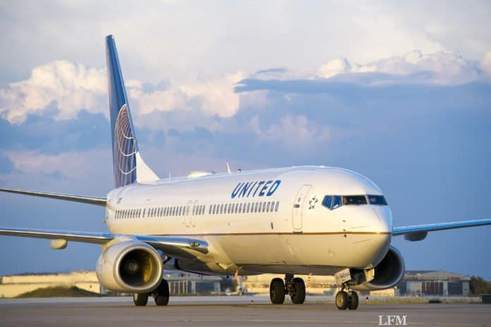 United Airlines Boeing 737 auf dem Taxiway