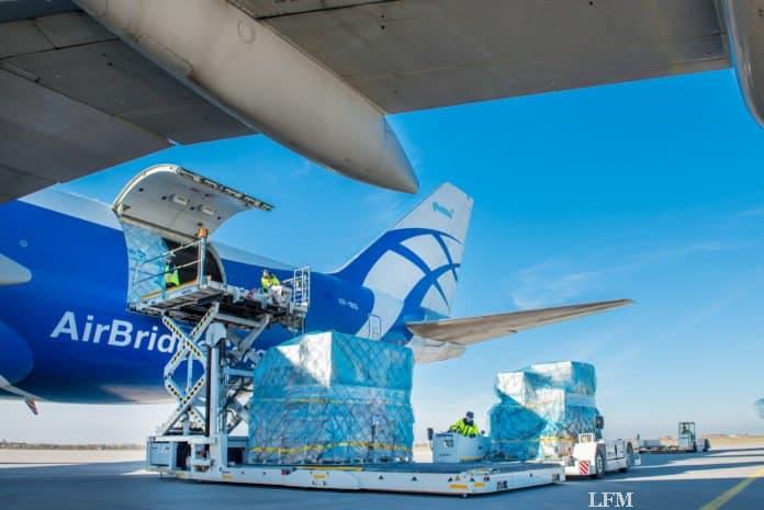 Frachtverladung am Flughafen Leipzig/Halle