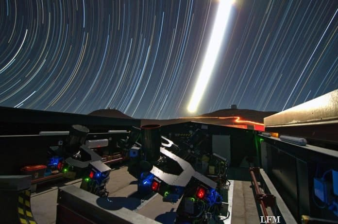 Blick auf die Teleskopanlage auf dem Paranal-Observatorium