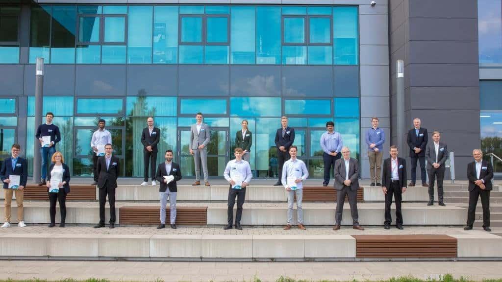 Gruppenbild aller Vortragenden mit der Jury