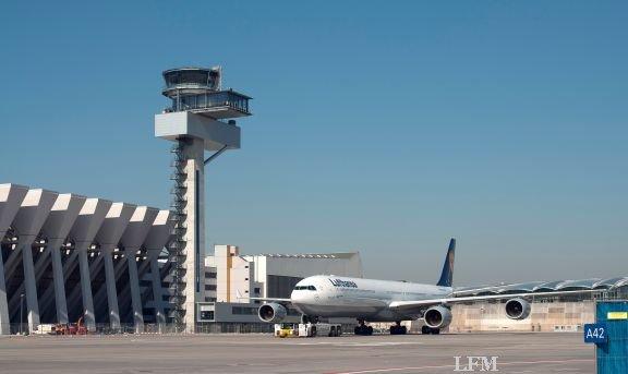 Tower am Flughafen Frankfurt