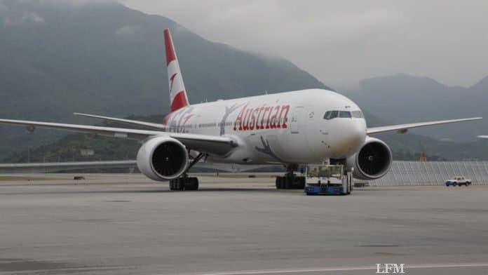 Austrian Airlines B777 OELPF
