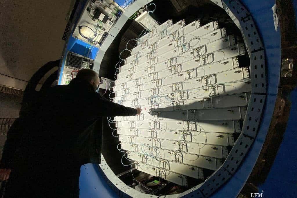 Rückseite der phasengesteuerten Antenne von GESTRA