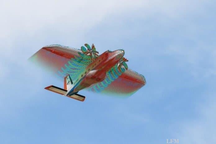 Überblendung von Überflug des DLR-Forschungsflugzeug