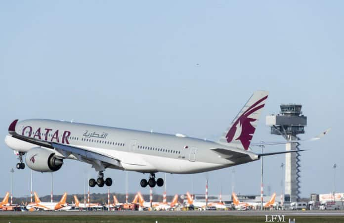 Landung des Qatar-Airways-Fluges QR81