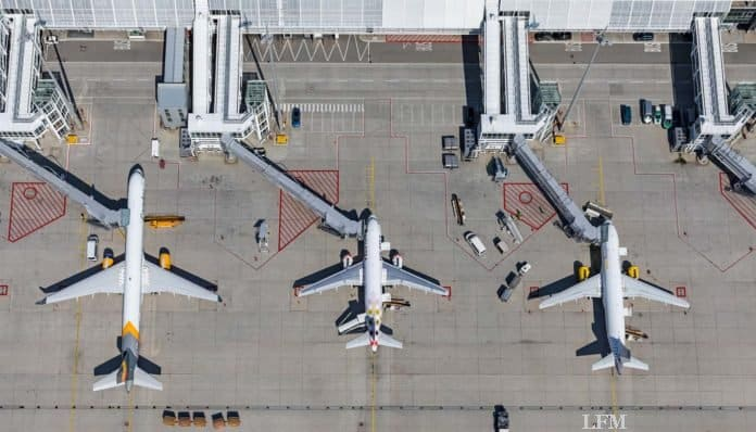 Flughafen München, Vorfeld am Terminal 1, Luftaufnahme