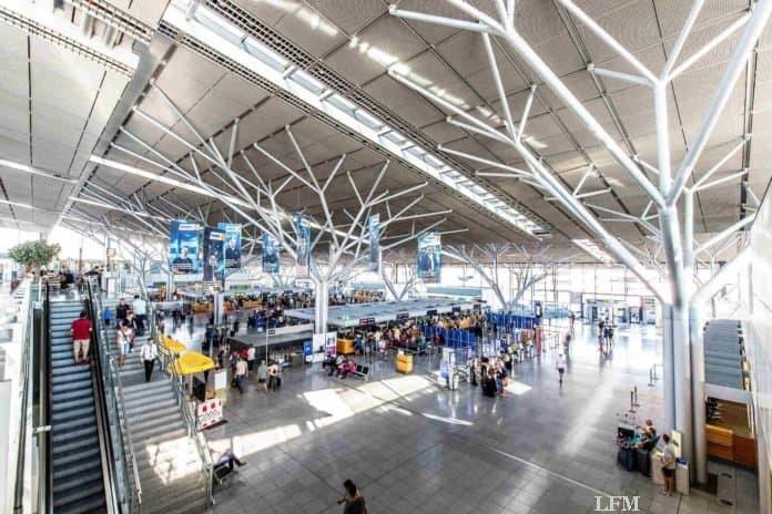 Flughafen Stuttgart bietet wieder Coronatests