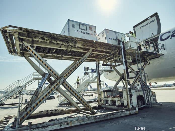 "Jettainer ""cool&fly"" Kühlcontainer für COVID-19 Impfstoff-Transport"