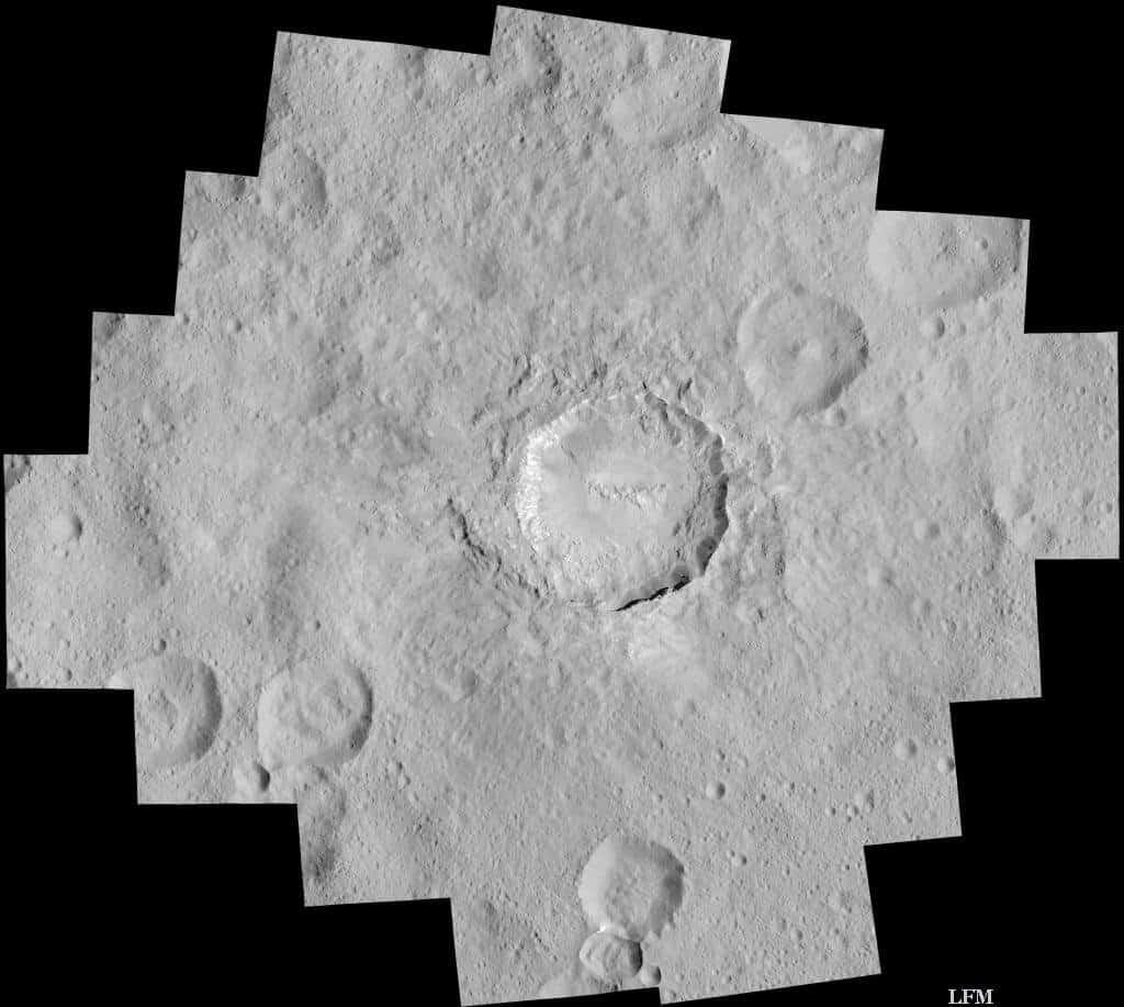Krater Haulani auf Ceres