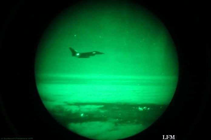 Blick durch den Restlichtverstärker eines Piloten