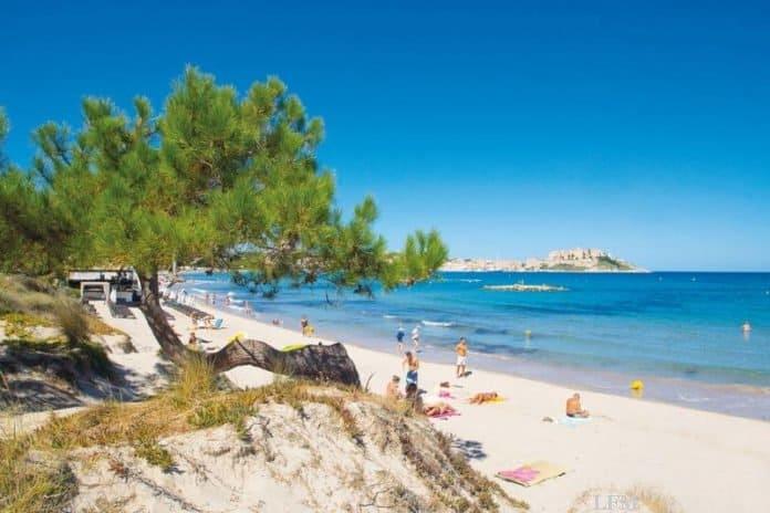 Calvi an der Nordwestküste der französischen Insel Korsika