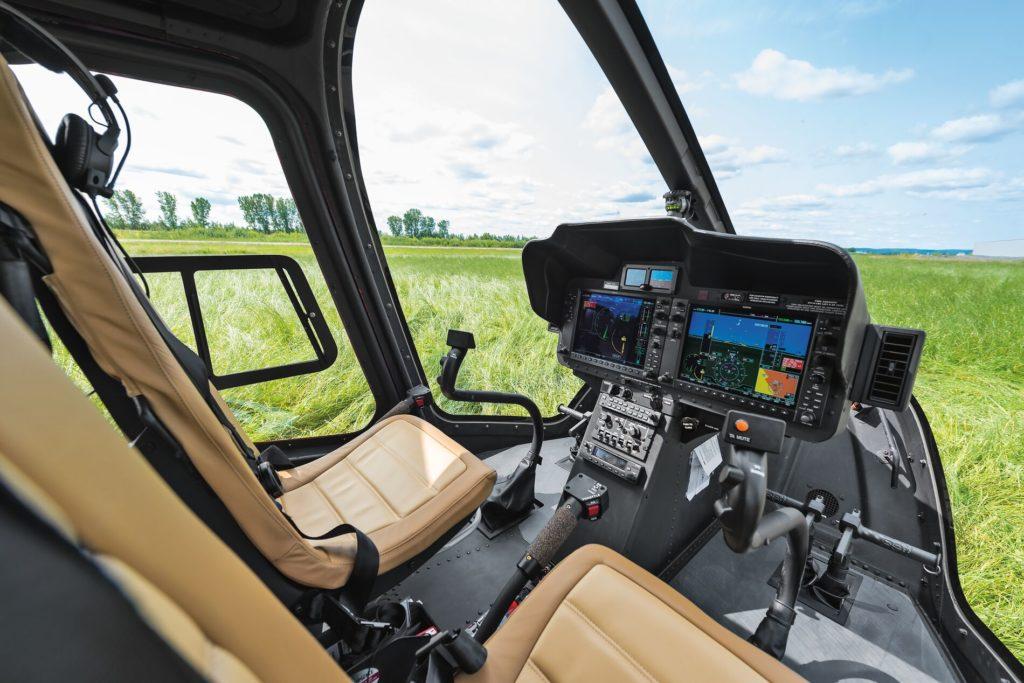 Bell 505 Cockpit