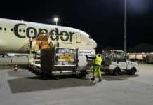 Condor Boeing 767 im Auftrag von DHL Express am Flughafen Halle