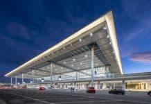 Flughafen Berlin Brandenburg Willy Brandt (BER) bei Nacht
