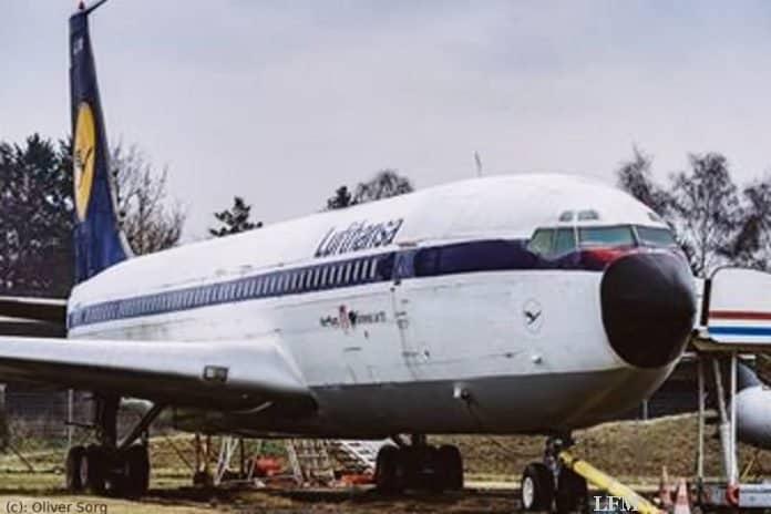 B707 heute: Die B707-430 - Traditionsmaschine von Hamburg Airport an ihrem heutigen Standort im nördlichen Bereich des Flughafengeländes nahe der Betriebsfeuerwehr.