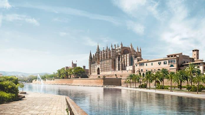 Eurowings legt 300 Zusatzflüge nach Mallorca für Ostern auf