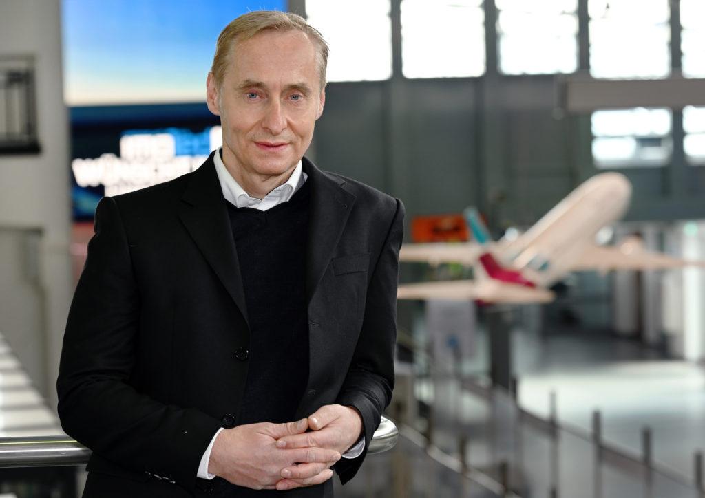 Dr. Marc Cezanne, Geschäftsführer der Flughafen Paderborn/Lippstadt GmbH.