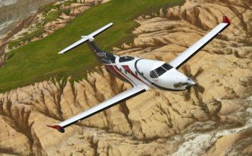 Pilatus PC-12NG fliegt in der Nähe von Mount Rushmore, Rapid City, South Dakota