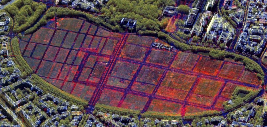 Veränderungen auf der Theresienwiese: Die Theresienwiese zeigt markant sichtbare Veränderungen in Rot durch die Belegung zur Oktober- bzw. Frühlingsfestzeit.